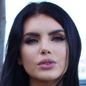Nicole Thorne 5 of 6