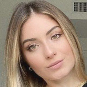 Nicole Tortolani 5 of 9