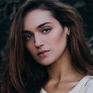 Nicole Zyana 2 of 5