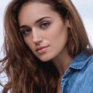 Nicole Zyana 4 of 5