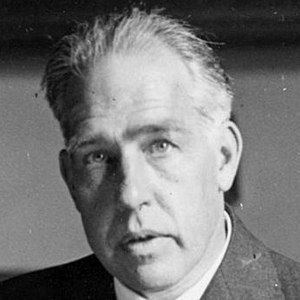 the important scientific contributions of dr neils bohr Hundreds of physicists and scientists were involved in the atomic bomb project, prominent among them dr niels bohr the scientists who worked on the bomb have claimed the manhattan project as their war project, so large and complete was their contribution to its success.
