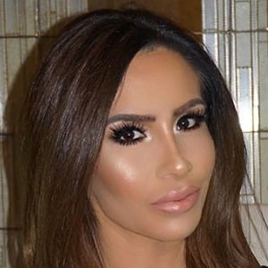 Nikki Giavasis 3 of 6