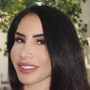 Nikki Giavasis Headshot 7 of 10