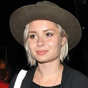 Nina Nesbitt 7 of 10