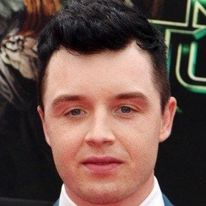 Noel Fisher 8 of 10