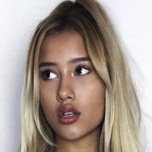 Noemi Nikita 4 of 7