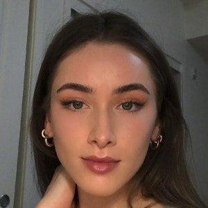 Norah Flatley Headshot 8 of 10