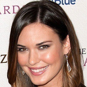 Odette Annable 4 of 10