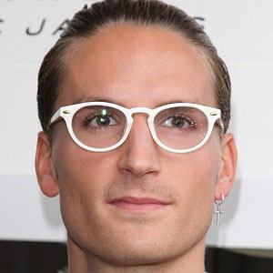 Oliver Proudlock 2 of 7