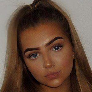 Olivia Claudia 3 of 10