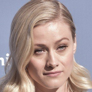 Olivia Taylor Dudley 3 of 4