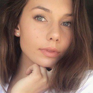 Olivia Mecca 4 of 10