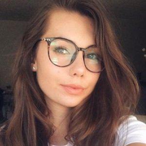 Olivia Mecca 5 of 10