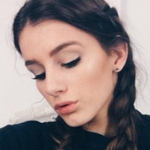 Olivia Rouyre Headshot 6 of 10