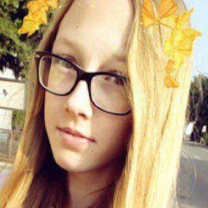 Oliwia Sawinska 3 of 6