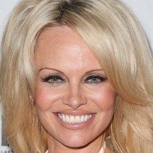 Pamela Anderson 2 of 10