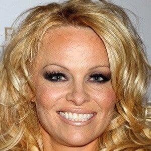 Pamela Anderson 3 of 10