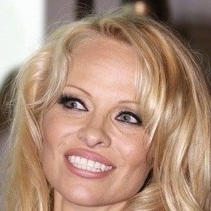 Pamela Anderson 6 of 10