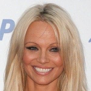Pamela Anderson 7 of 10