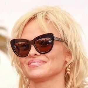 Pamela Anderson 9 of 10