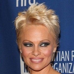 Pamela Anderson 10 of 10