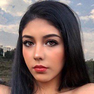 Paola Escoto 2 of 5