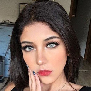 Paola Escoto 4 of 5