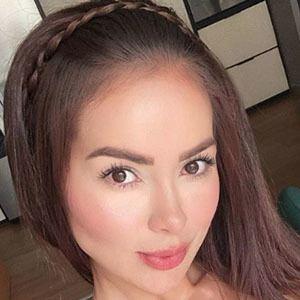 Paola Triana 4 of 5