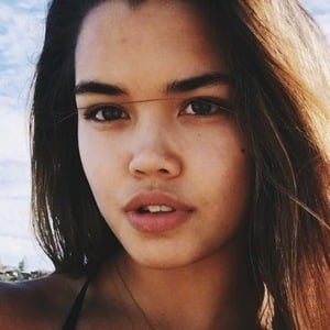 Paris Berelc 7 of 10