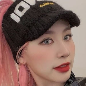 Park Ji-min 4 of 10
