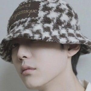 Park Hyung Seok Headshot 2 of 10