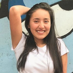 Paula Linares 2 of 6