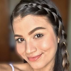 Paula Urbaez Headshot 8 of 10