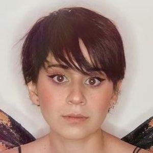 Paulina Melo Headshot 6 of 10