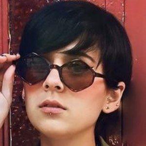 Paulina Melo Headshot 7 of 10
