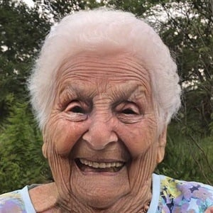 Granny Smith Headshot 9 of 10
