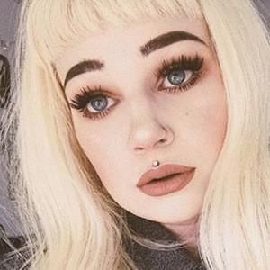 Phoenix Hayley Wadsworth 2 of 6
