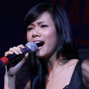 Phuong Vy 2 of 3