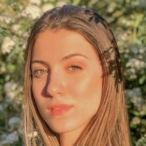 Pia Scarnato Headshot 2 of 10