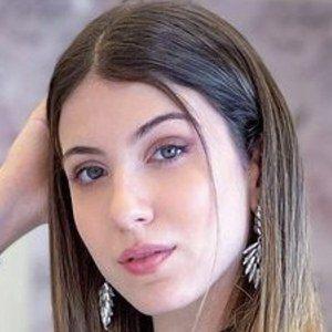 Pia Scarnato Headshot 3 of 10