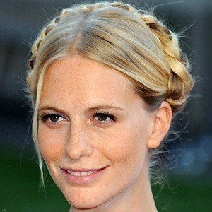 Poppy Delevingne 2 of 10