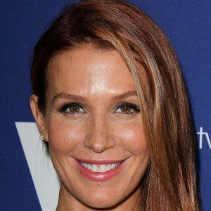 Poppy Montgomery 3 of 5