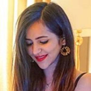 Prerna Malhan 3 of 5