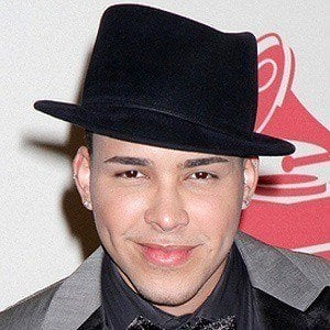 Prince Royce 3 of 8