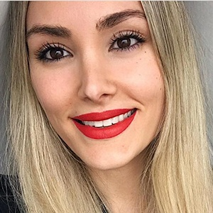 Priscila Hernández 4 of 5