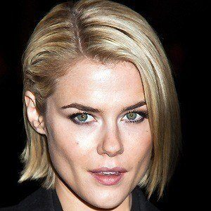 Rachael Taylor 2 of 10