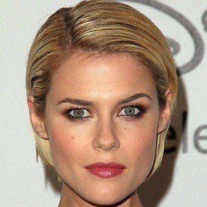 Rachael Taylor 3 of 5