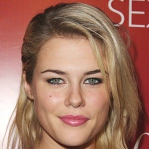 Rachael Taylor 8 of 10