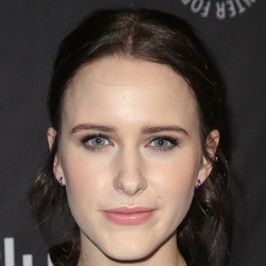 Rachel Brosnahan 8 of 10