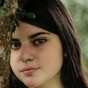 Rafaela Riboty 2 of 5